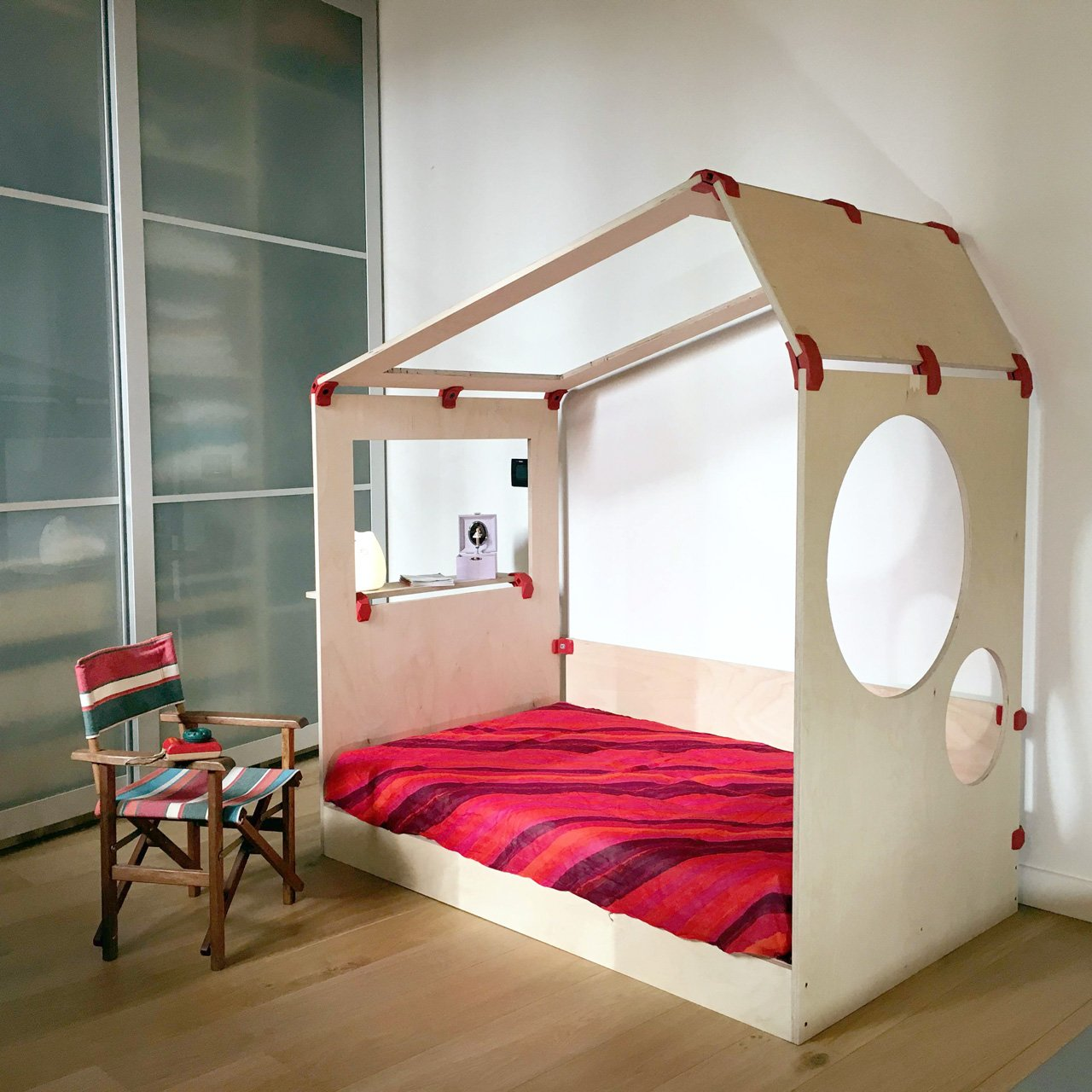 Playwood projects - Create a tiny house for your kids
