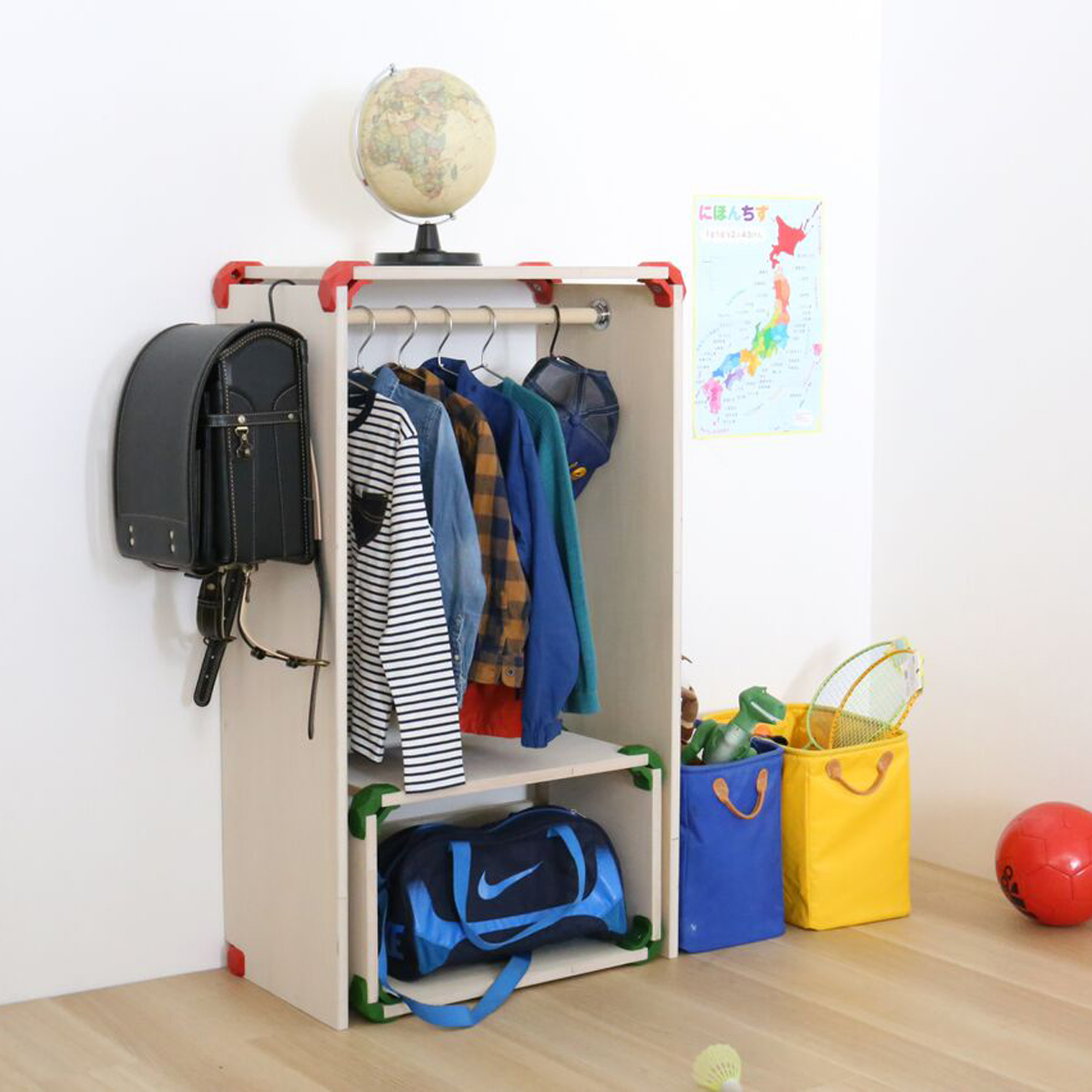 Playwood projects - Little wardrobe for little needs